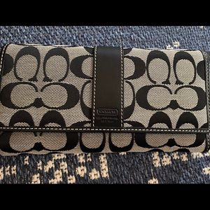 Coach signature wallet - never used
